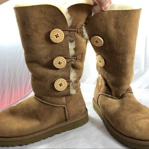 UGG Shoes - UGG Bailey Button Boots Sz 6 Hiking Brown Cute